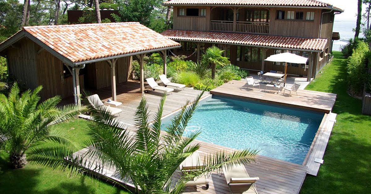 piscine avec escalier en angle et terrasse mobile