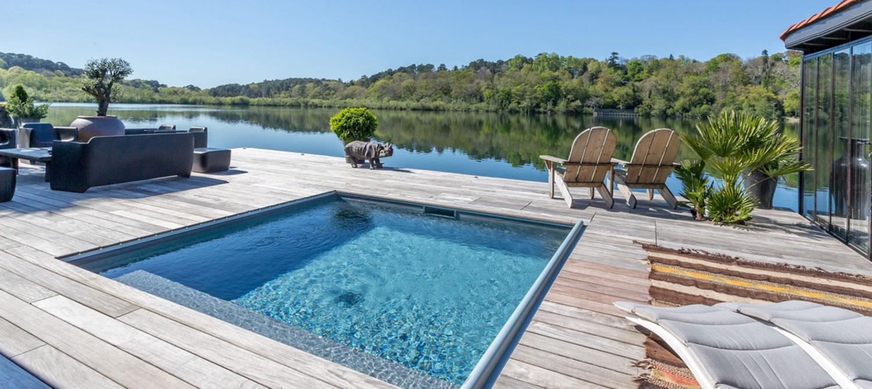 piscine carrée plage bois