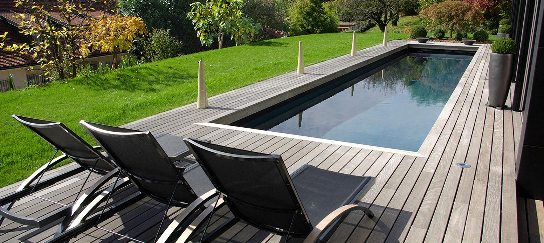 couloir de nage avec jardin aménagé
