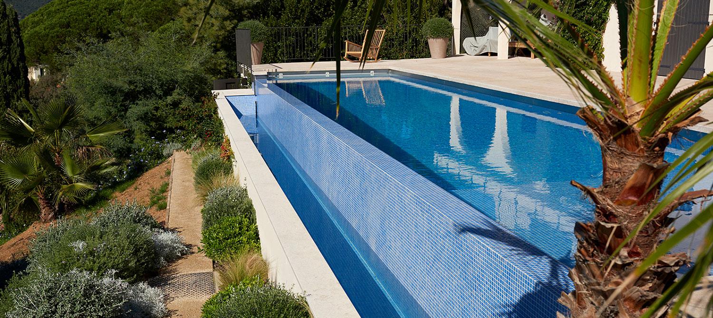 débordement piscine en mosaïque