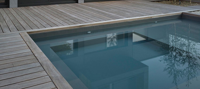petite piscine carrée esprit bassin