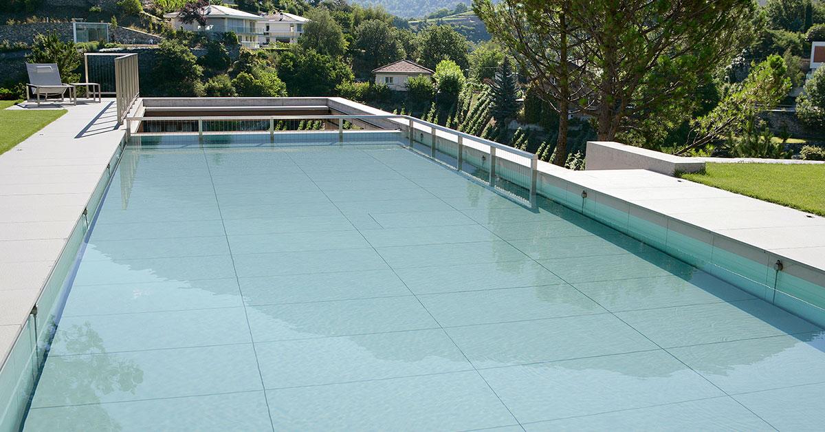 piscine carrelée fond mobile relevé