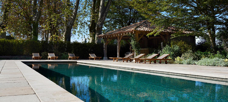 piscine béton brut pool house
