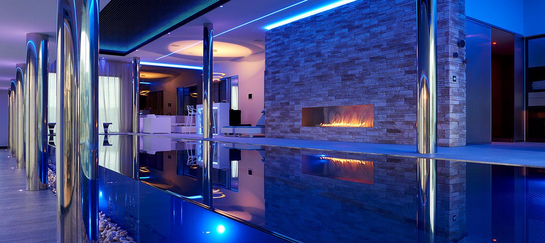piscine intérieure débordement verre