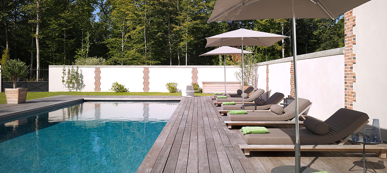 piscine collective dans une maison d'hôtes Le Château-de-la-Resle