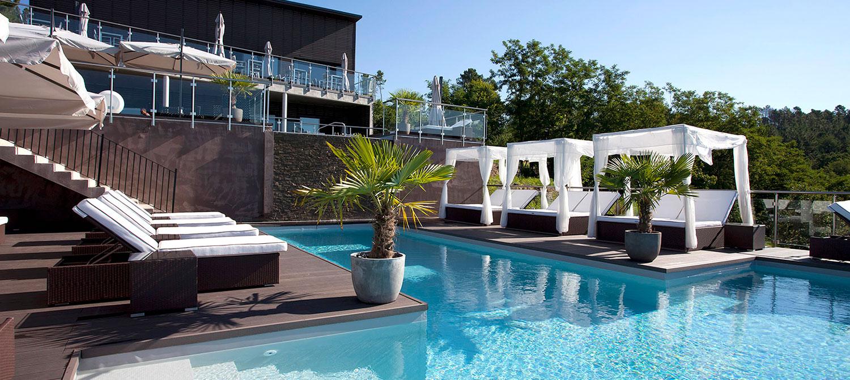 piscine d'hôtel avec spa Domaine de Chalvêches
