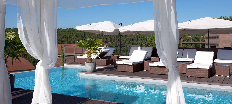 piscine avec spa Domaine de Chalvêches