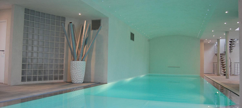 piscine intérieure miroir