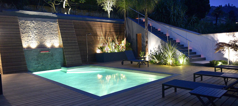 piscine mosaïque avec éclairage