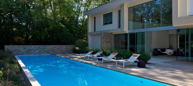 piscine familiale avec plage bois