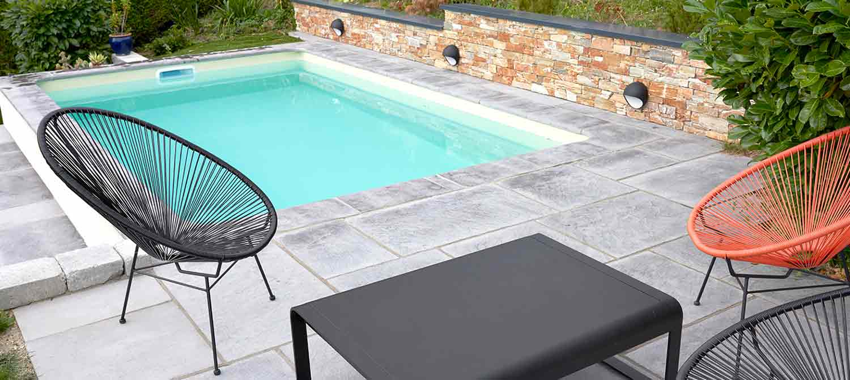 Mettre Piscine Sur Terrain En Pente petite piscine sur terrain en pente aménagé | piscines carré