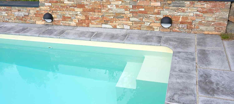 escalier petite piscine