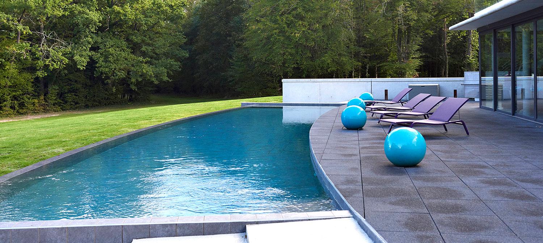 piscine carrelée forme personnalisée