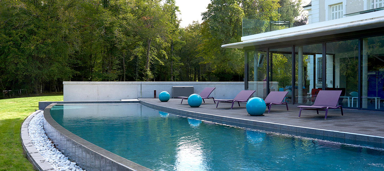 piscine personnalisée en arc de cercle