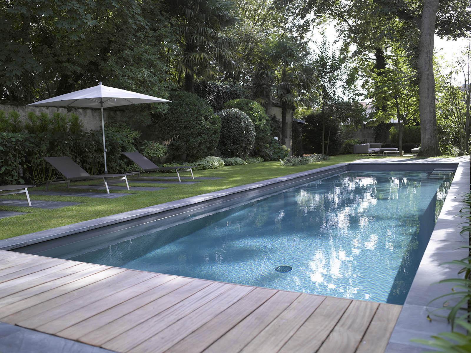 entretien piscine couloir de nage lyon est