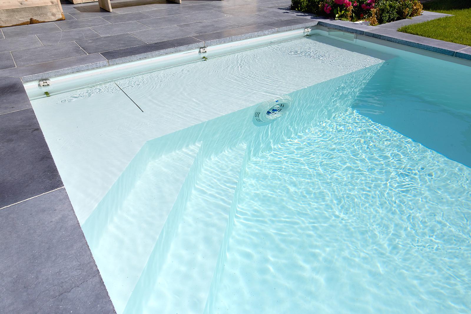 escalier angle piscine perigueux