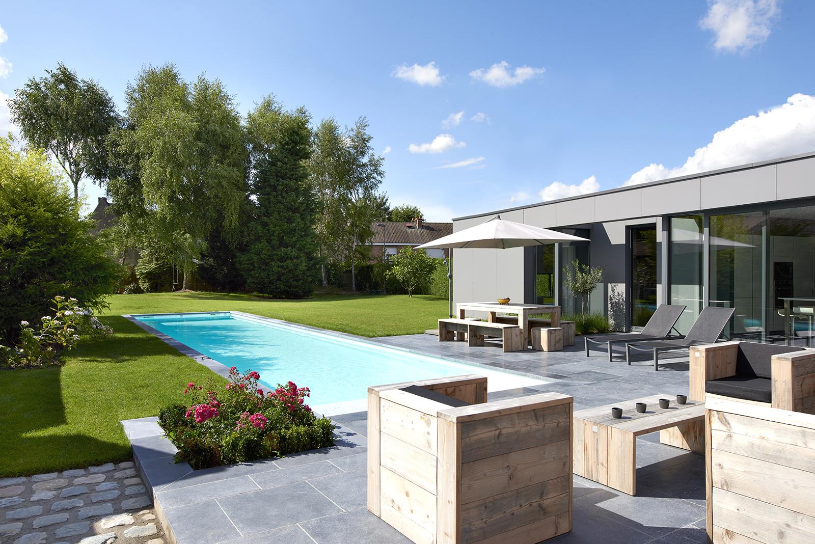 piscine design rectangulaire enterrée Périgueux