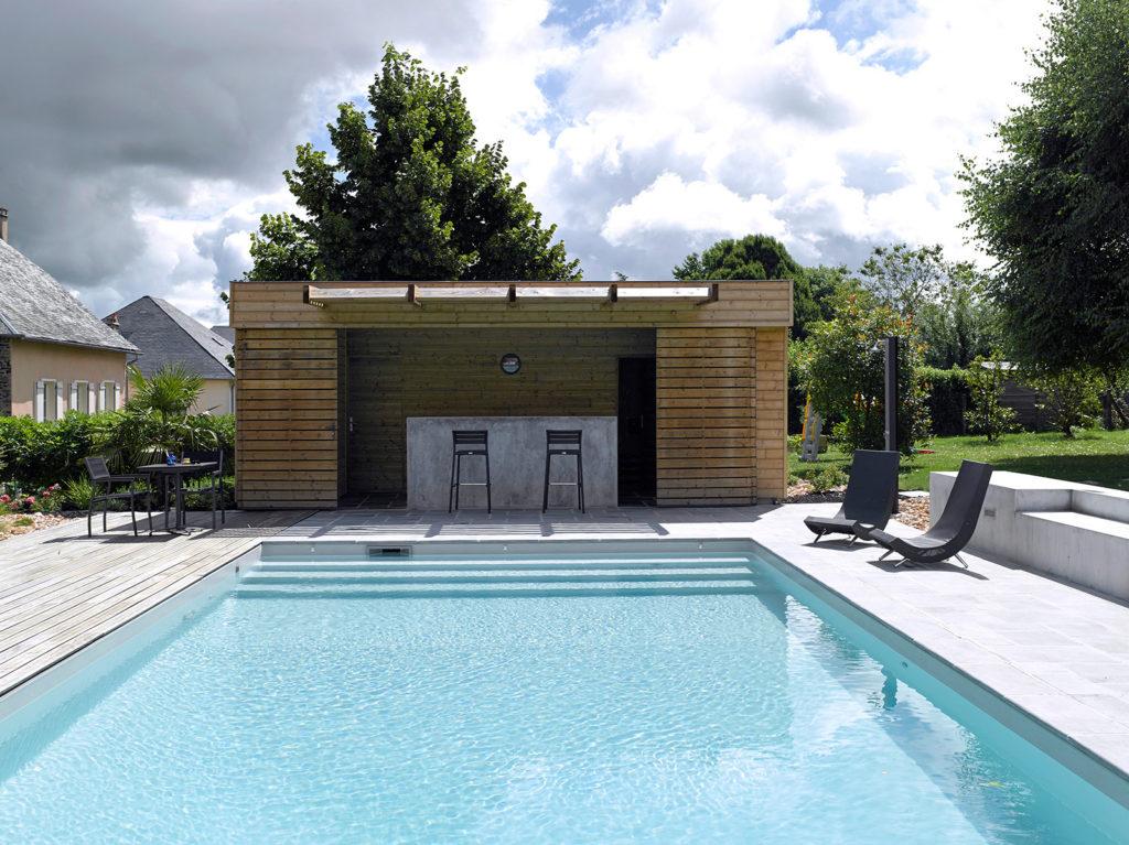 pool house piscine brive
