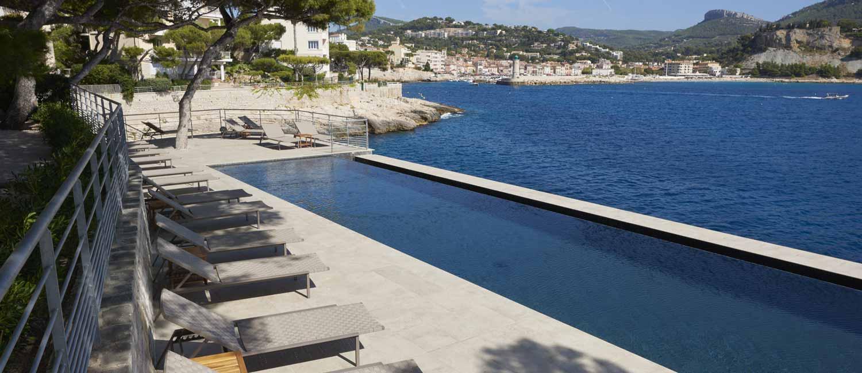 piscine d'hôtel collective