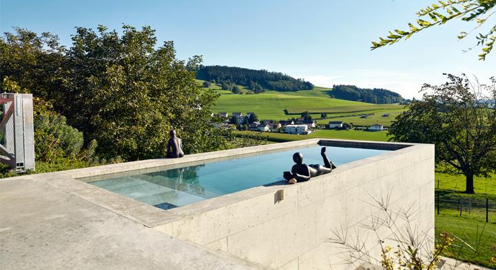 Petite piscine béton Nicollier Piscines Suisse